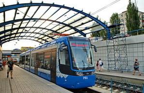 Киевский скоростной трамвай будут продлевать к Дворцу Спорта