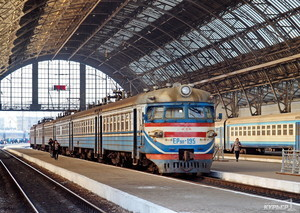 """В """"Укрзализныце"""" начали декоммунизацию железнодорожных станций"""