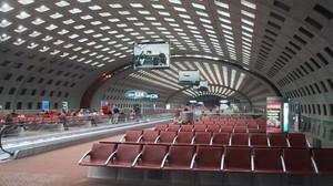 В аэропорту Парижа устанавливают новую систему безопасности