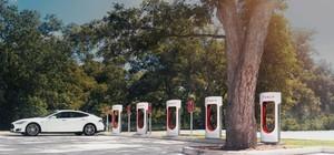 В ФРГ планируют к 2020 году построить 15 тыс. станций зарядки для электромобилей.
