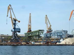 Порт Черноморска судится с частным стивидором