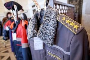 Украинские железные дороги хотят одеть машинистов и путейцев в новую форму (ФОТО)