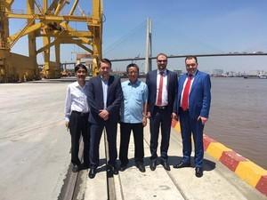 Омелян: Украина владеет частью порта во Вьетнаме