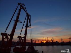 Правительство ФРГ может помочь завершить строительства контейнерного терминала в Одесском порту