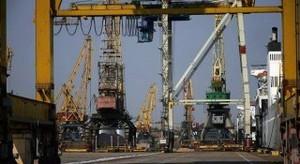 """Руководство порта """"Черноморск"""" решило отремонтировать админздание за 2 миллиона"""