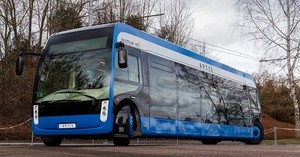 Для центра Парижа спроектировали сверхманевренный электробус (ФОТО, ВИДЕО)