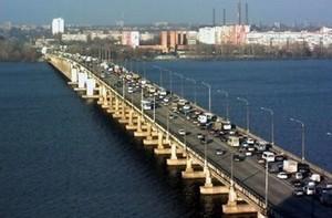 В Днепре из-за ремонта Центрального моста образовался транспортный коллапс