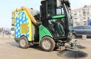 В Запорожье приступили к тестированию новой уборочной дорожной  техники