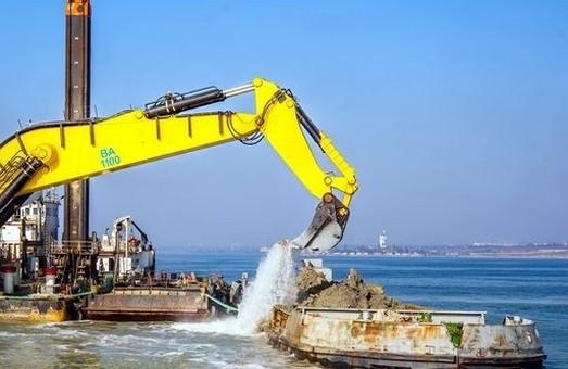 В порту Черноморск проведут ремонтное дноуглубление