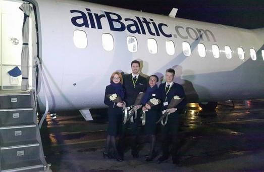 В Одессу прибыл самолет латвийской авиакомпании airBaltic