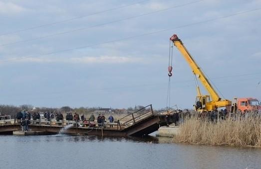 В Николаевской области обвалился мост