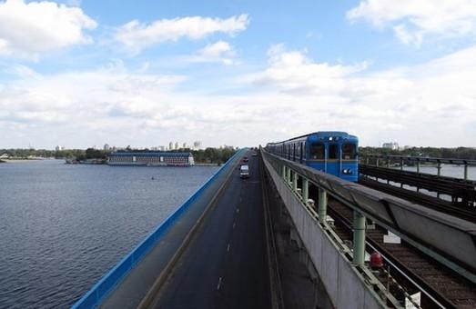 В Киеве частично перекроют еще один мост