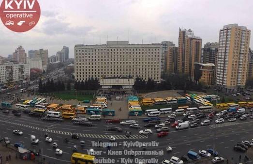 В Киеве митингуют водители маршруток