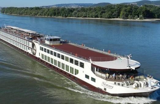 Морской порт Усть-Дунайск принял в круизном сезоне 2017 года первое пассажирское судно