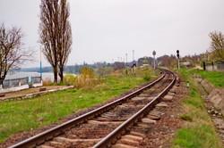 Железная дорога в городе Рени проходит прямо по берегу Дуная