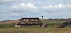 Уцелевший мост через речку Когильник между Серпневым и Бессарабской