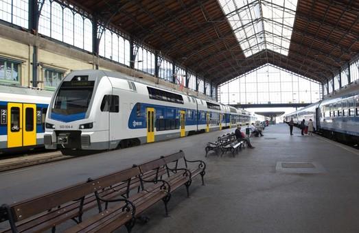 """Венгрия закупает 40 двухэтажных поездов у швейцарского """"Штадлера"""""""