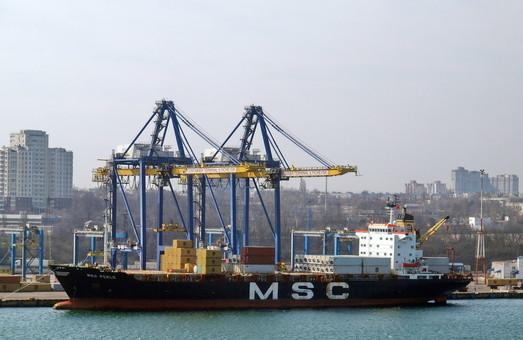 Порт Черноморск продолжает показывать падение грузопотоков
