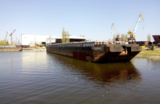 Килийский судостроительный завод отремонтировал баржу, построенную по ноу-хау технологии