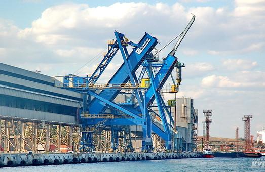 Китайцы займутся дноуглублением у причалов порта Южный
