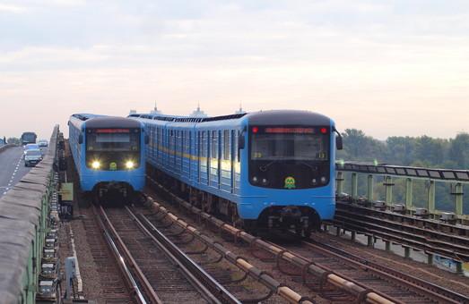 """К аэропорту """"Борисполь"""" проведут то ли линию метро, то ли железную дорогу"""