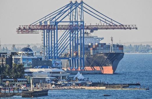 В Одесский порт заходят контейнерные линии двух крупнейших международных судоходных компаний