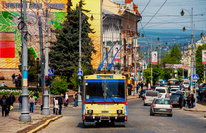 """Черновцы обновят свой троллейбусный парк за счет подержанных """"рогатых"""" из Бухареста"""