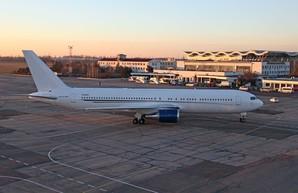 Киевский аэропорт Жуляны в апреле почти вдвое наращивает пассажиропоток