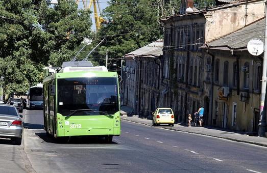 В Одессе предлагают изменить движение транспорта по Польскому и Деволановскому спускам