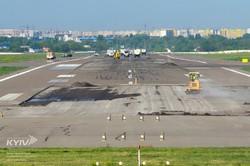 Как в киевских Жулянах взлетку ремонтируют (ФОТО)