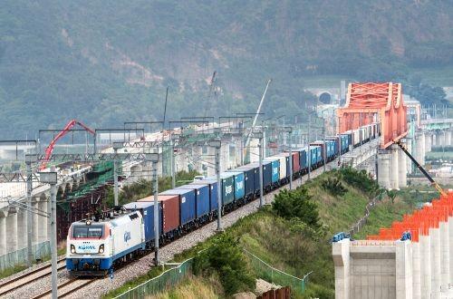 Южная Корея испытывает грузовые поезда на 80 вагонов
