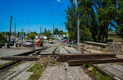 На развязке у Пересыпского моста в Одессе уже уложены все трамвайные пути (ФОТО)