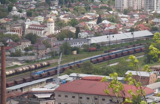 Пассажирские поезда во Львове получают еще одну остановку под Высоким Замком