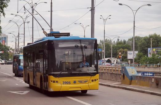 Впервые за несколько лет завод ЛАЗ выиграл тендер на новые троллейбусы
