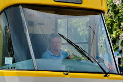 Водители одесских трамваев и троллейбусов оделись в новую форму (ФОТО)