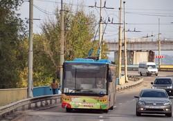 Фото дня: троллейбусы на ДнепроГЭСе