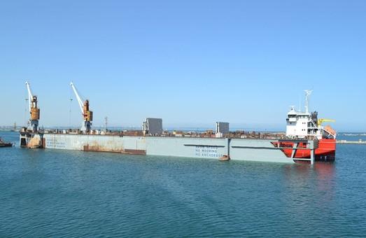 В Одессе завершили ремонт судна в отремонтированном доке (ФОТО)