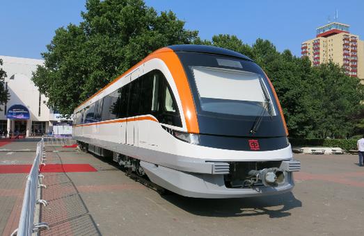 В Китае запустили первый пригородный скоростной поезд повышенной комфортности (ФОТО)