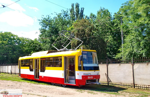 В Одессе построили первый новый трамвай из запланированных на 2017 год (ФОТО)