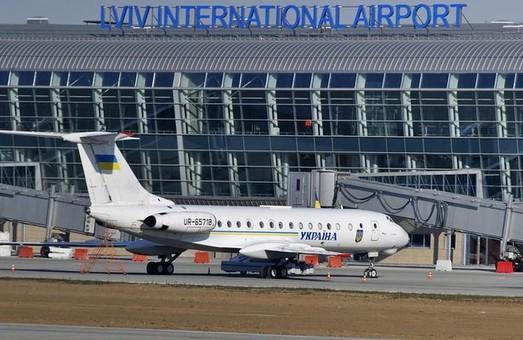 Во Львовском аэропорту в июне стало больше пассажиров
