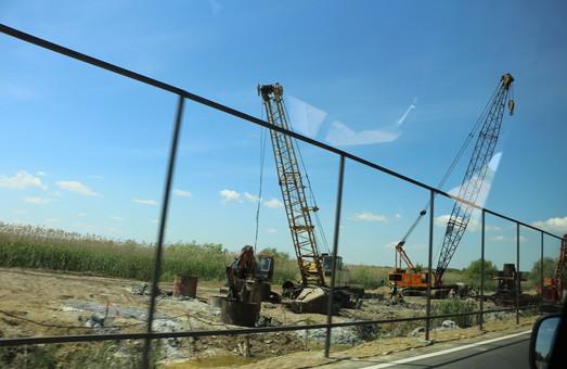 Ремонт моста на трассе Одесса - Рени снова затягивается и имеет нарушения