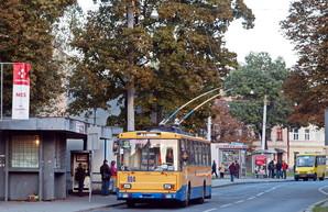 Во Львове спустя год восстановили 500 метров троллейбусной линии после кражи контактной сети