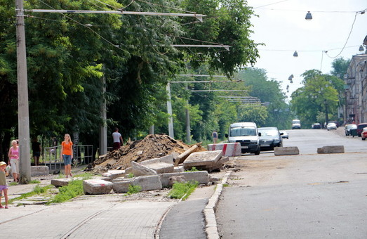В Одессе перекрывают улицу Пастера и обещают открыть спуск Маринеско