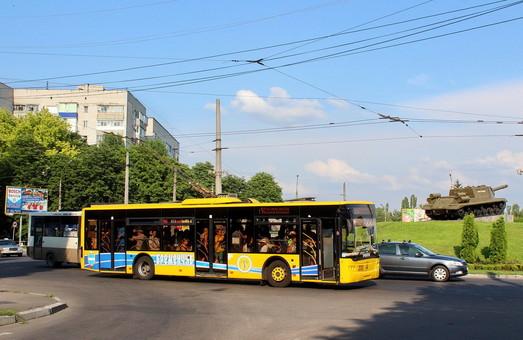 Кременчуг ввел оплату за проезд в троллейбусах по qr-коду