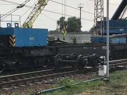 Сход с рельс грузового поезда под Днепром стал причиной задержки пассажирских поездов (ФОТО)