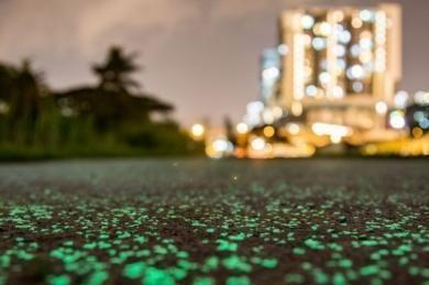 Новые светящиеся дороги в Сингапуре