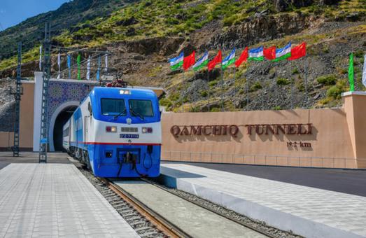 Китай строит под Великой стеной тоннель для скоростных поездов