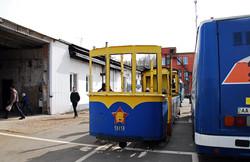 Один из старейших ретро-трамваев Киева распилили в металлолом