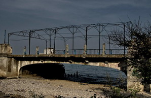 Фото дня: трамвайный мост в одесском Люстдорфе