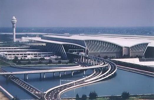 В аэропортах Шанхая заработала система QR-кодов при регистрации на рейс